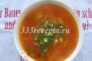 """<p><span style=""""color: #000000;""""><span style=""""font-size: medium;""""><span lang=""""ru-RU"""">Томатную пасту с добавлением небольшого количества воды тушим в маленькой сковороде 5 минут и тоже добавляем в суп, когда овощи уже готовы (т.к. если добавить раньше, овощи будут очень долго вариться из-за кислоты в томатной пасте), </span></span></span><span style=""""color: #000000;""""><span style=""""font-size: medium;""""><span lang=""""ru-RU"""">солим, перчим, добавляем любимые специи.</span></span></span></p>"""